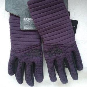 582058a9f North Face Wonen's Indi Etip Glove Purple Sz XS NWT